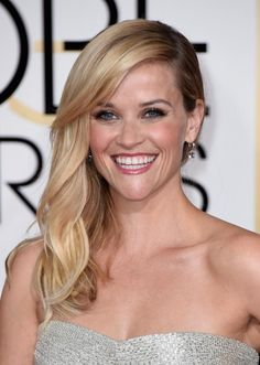 The 2015 Golden Globe Looks You'll Want to Copy This Year: Reese Witherspoon's Side Swept Waves at the 2015 Golden Globes