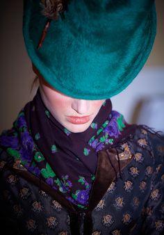Wien 2012 - gut behütet und betucht - edle Trachtenmode #Tracht #Couture #Tuch #Tücher #Hut #Trachtenhut #Trachtentuch