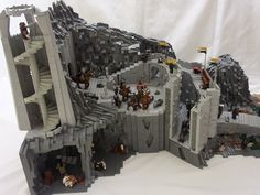 I had to build a Helms Deep for the Melo, and not wanting to build just another 'Helms Deep Moc' I chose a different approach, where I could build a few of the scenes you don't see so often. Helms Deep, Lego Castle, Cardboard Castle, Marvel And Dc Superheroes, Lego Display, Amazing Lego Creations, Lego People, Lego Games, Lego Room