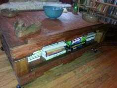 Wood pallett coffee table.