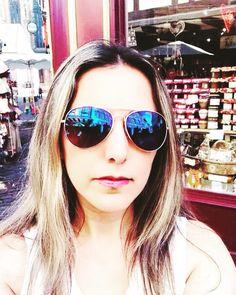 🎀Blogueira🎀 sur Instagram: Bom dia! #bomdia #bomdiaa #inspired #selfietime #selfies #style #stylgirl #blogger #blogueuse #bloggerlife #goodlife #goodday #goodmorning… Mirrored Sunglasses, Sunglasses Women, Selfie Time, Selfies, Life Is Good, Inspired, Inspiration, Instagram, Style