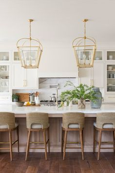 Kitchen from Studio McGee, cabinets that sit on the countertops New Kitchen, Kitchen Dining, Kitchen Decor, Kitchen Wood, Kitchen Modern, Design Kitchen, Kitchen Ideas, Studio Mcgee, English Cottage
