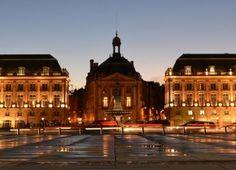 Bordeaux : la majestueuse Place de la Bourse