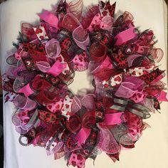 Valentine Wreath /Valentines Wreath / Valentines Day Wreath / Valentines Wreaths/Valenitne Wreaths/Red Valentine/Heart Wreath by Wreaths4everyreason on Etsy https://www.etsy.com/ca/listing/505491501/valentine-wreath-valentines-wreath
