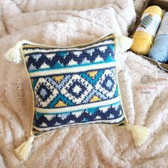 Aztec Throw Pillow - Free Crochet Pattern at Spin a Yarn Crochet