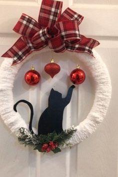 Christmas Centerpieces, Diy Christmas Ornaments, Homemade Christmas, Xmas Decorations, Simple Christmas, Christmas Holidays, Country Christmas Decorations, Wreath Crafts, Diy Wreath