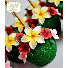 Te Fiti inspired chocolate covered apples with handmade sugar flowers for @iamcaked beautiful daughter's Moana themed 2nd birthday celebration!!  #kailanisbday2017 #moana #tefiti #moanaparty #moanatheme #moanaapples #edible #handmade #sugarflowers #apples #chocolateapples #miami #miamiapples #miamibaker #bakedwithlove