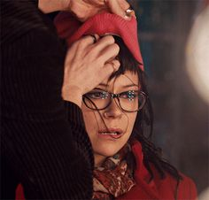 Cosima trying to be Alison