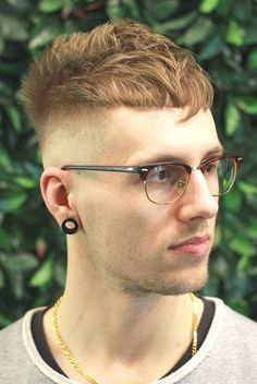 37 Popular Hairstyles For Men To Copy This Year 2019 Popular Mens Hairstyles, Classic Hairstyles, Popular Hairstyles, Trendy Hairstyles, Stylish Haircuts, Cool Haircuts, Hairstyles Haircuts, Haircuts For Men, Angular Fringe
