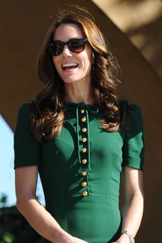 Kate Middleton fashions Ray-Ban wayfarers as she enjoys the sunshine with Prince William, Canada. • Celebrity WOTNOT --------------- For further information on these stories and images please visit www.celebritywotnot.com. These Images are ©Atlantic Images. No use without permission.