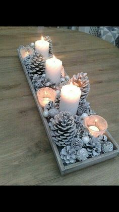 15 beautiful Christmas table decorations that you can copy - ., 15 beautiful Christmas table decorations that you can copy - # can # copy # beautiful. Noel Christmas, Winter Christmas, Simple Christmas, Vintage Christmas, Christmas Ornaments, Christmas Pine Cones, Minimalist Christmas, Christmas Coffee, Christmas Candles