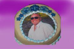 Er du litt mer av den klassiske kaketypen så er dette et flott alternativ.  Kan lages både som sjokoladekake og marsipanbløtkake. Ta kontakt for mer info på post@bellakaker.no eller ta en titt på websiden min www.bellakaker.no