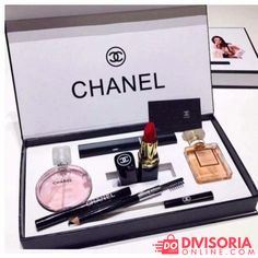 Chanel Cosmetic Set 🎀 Coco Makeup Kit – Famous Last Words Kit Perfume, Perfume Chanel, Perfume Gift Sets, Perfume Samples, Perfume Oils, Make Up Kits, Chanel Beauty, Coco Chanel, Chanel Makeup Set
