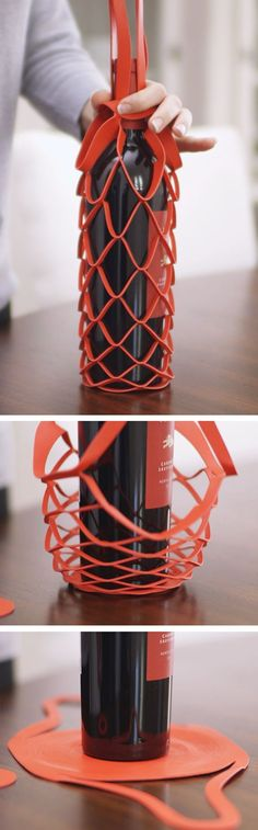 This is a really unique and interesting form of wine packaging. The wire design also folds down so it can be easily stored without taking up space. Cool Packaging, Bottle Packaging, Brand Packaging, Design Packaging, Packaging Ideas, Wine Design, Bottle Design, Wine Carrier, 3d Prints