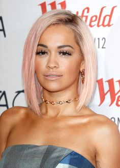 Idée Couleur & Coiffure Femme 2018 : Rita Ora's New Pastel Pink Hair Is Surprisingly Perfect For The Holidays - Flashmode Belgium Kelly Osbourne, Pastel Pink Hair, Hair Color Pink, Light Pink Hair, Rose Pastel, Blush Pink, Celebrity Short Hair, Celebrity Hairstyles, Celebrity Style