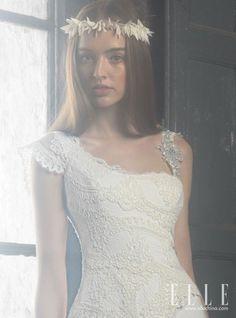 Vintage Lace Wedding Dress -- 2014 Ir de Bundó