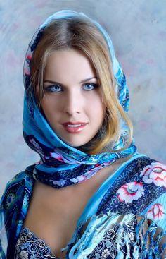 Eye beautiful girl angel 32 ideas for 2019 Gorgeous Eyes, Beautiful Hijab, Pretty Eyes, Most Beautiful Women, Beautiful Wife, Girl Face, Woman Face, Russian Beauty, Beauty Women