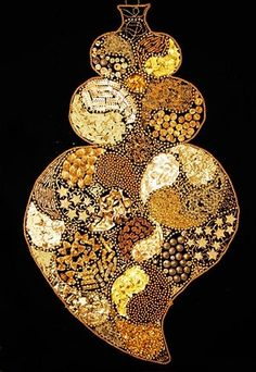 Filigree Jewelry, Heart Jewelry, Jewelry Art, Gold Filigree, Portuguese Culture, Heart In Nature, Sacred Heart, Jewelery, Bling