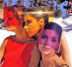 Peggy Moffitt, Lydia Fields & Leon Bing wearing sun visors by Layne Nielson _ Photo by William Claxton, Fashion 60s, Space Fashion, Fashion Mode, Fashion History, Vintage Fashion, Gothic Fashion, Sporty Fashion, Fashion Black, Winter Fashion