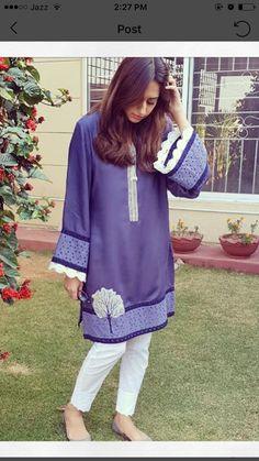 Simple Pakistani Dresses, Pakistani Fashion Casual, Pakistani Dress Design, Pakistani Outfits, Stylish Dresses For Girls, Unique Dresses, Simple Dresses, Fancy Dress Design, Stylish Dress Designs