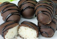 Homemade Coconut Cream Eggs - Easter is coming so make this recipe and surprise your family and children. You need only few ingredients and few minutes for this recipe! Your Easter family table will look incredible with these Homemade Coconut Cream Eggs! Easter Candy, Easter Treats, Easter Food, Easter Table, Easter Gift, Oreo Dessert, Mini Desserts, Easter Recipes, Holiday Recipes