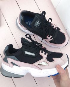 RG: chloe perkins 📷💋 Showing off her latest adidas Originals Falcon purcha. - Women's shoes fancy - - RG: chloe perkins 📷💋 Showing off her latest adidas Originals Falcon purcha. Cute Shoes, Me Too Shoes, Women's Shoes, Shoes Style, Shoes Men, Sneakers Fashion, Fashion Shoes, Fashion Trainers, Sneakers Women