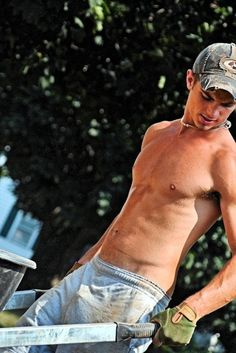 oh sweet jesus do I love farm boys Country Man, Country Girl Life, Country Girls, Cow Boys, Farm Boys, Hot Cowboys, Shirtless Men, Girls Life, Cute Guys