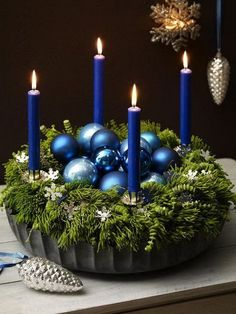 100+ Cheap and Easy Christmas Centerpiece Ideas that you can Make in a Jiff - Hike n Dip Blue Christmas Decor, Noel Christmas, Christmas Candles, Christmas Colors, Simple Christmas, All Things Christmas, Christmas Wreaths, Christmas Crafts, Victorian Christmas