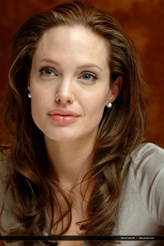 2006/12/08 - 'The Good Shepherd' press conference in New York - 081206 Good Shepherd Press Conference 39 - Angelina Jolie Photo