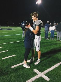30 Relationship Goals Pictures You Must Try with Your Bae! Looking for relationship goals picture ideas to take with your loved one? Take a look at these cute and funny couple goals pictures and poses for inspiration. Football Relationship Goals, Goals Football, Couple Goals Relationships, Relationship Goals Pictures, Couple Relationship, Football Football, Football Boyfriend, Football Couples, Sports Couples