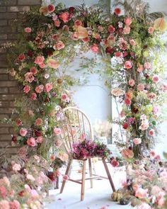 Favourite Spring Garden Decoration Ideas For Backyard & Front Yard - The Expert Beautiful Ideas Raindrops And Roses, Deco Floral, Floral Arch, Floral Backdrop, Floral Design, Floral Wreath, Spring Garden, Spring Nature, Autumn Garden