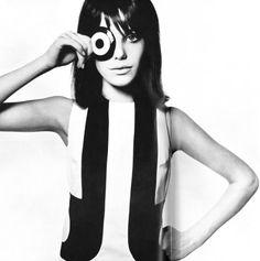 Jane Birkin, Vogue 1965 (Photo by David Bailey). Je t'aime mais non plus. Jean Seberg, Jean Shrimpton, Jane Birkin, Marianne Faithfull, Style Année 60, Style Icons, 1960s Style, 1960s Mod Fashion, Vintage Fashion