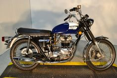 1973 Triumph Tiger, this would be awesome to get instead of a car :P maybe if i lived in california
