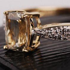 Zultanite 9ct Gold and Diamond Ring