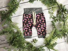 Newborn Girls Floral Joggers / Baby Girls Floral Joggers / Toddler Floral Joggers// Newborn Floral Outfit // Newborn Girls Clothing Set //