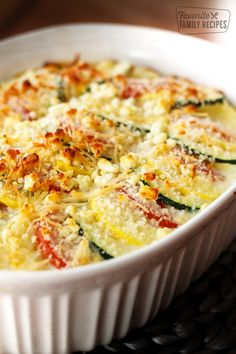 Parmesan Squash Casserole is a perfect way to use up all that squash and zucchini from the garden Layered with tons of cheese this is a delightful side dish to any. Summer Squash Casserole, Yellow Squash Casserole, Zucchini Squash Casserole, Squash Cassarole, Vegetable Recipes, Vegetarian Recipes, Healthy Recipes, Healthy Meals, Quiches