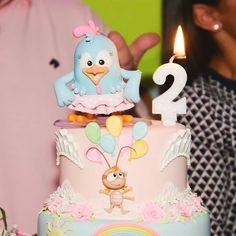 Nosso Bolo cenografico decorando a festa de aniversário no tema Galinha Pintadinha Rosa. Clique aqui e conheça nosso trabalho em Lecabel Ideias. festas criativas, topo de bolo, , cake designer, biscuit, festas personalizadas, ideias de bolos e festas, Candy colors, festa de luxo, menina, festas personalizadas. galinha pintadinha, galinha pintadinha rosa, candy colors, galinha pintadinha festa, decoração festa, bolo, cake desiner, cake artist, bolo decorado, bolo cenografico, fake cake Mini Tortillas, Birthday Table, Baby Party, Bolo Cake, Candy Colors, Biscuits, Alice, Birthdays, Sweet