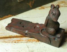 MOUSEKIN'S DUTY DOORSTOP - Mouse with Wedge of Cheese Door Stopper