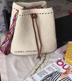 Crochet Scoodie - Bubble Wrap Stitch - nice effect Crochet Tote, Crochet Handbags, Crochet Purses, Love Crochet, Irish Crochet, Knit Crochet, Scoodie, Crochet Shoulder Bags, Yarn Bag
