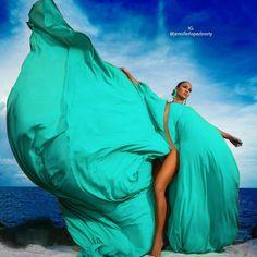Which Is Your Favorite Color For This Dress? Answer! @jlo #jlo #jenniferlopez #jenniferlopezbooty #nitúniyo #nituniyo