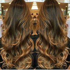 Bom dia. Inspiração quem sabe um dia eu chego lá.😘😍🙏. . . . . #inspiração #hair #cabelão #hairdivo #inlove #cabelosaudavel #rapunzel #cabelo #cabeloliso #morenasiluminadas #projetopocahontas  #cabelonacintura #cabelonacinturaja #crescimentocapilar #cabelonobumbum #futurarapunzel #QueroSerRapunzel #RapunzeisUnidas #cabelolindo #hairperfeito #perfeição #instablog #instadicas #blogdicas #instablogg #blog #instalike #likesforlikes #likes #meuccapilar