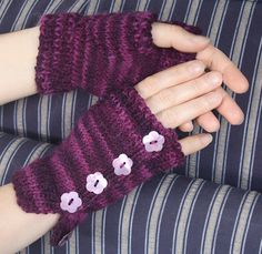 Ravelry: Fingerless Buttoned Mittens pattern by Vicki Twigg