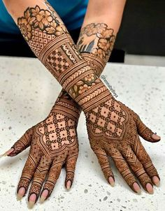 Latest Amazing Mehndi Designs For Parties Hello Guys! here you will see Latest Mehndi Designs with Amazing Patterns for your Hands and. Indian Henna Designs, Back Hand Mehndi Designs, Latest Bridal Mehndi Designs, Simple Arabic Mehndi Designs, Mehndi Designs For Girls, Wedding Mehndi Designs, Dulhan Mehndi Designs, Simple Henna, Wedding Henna