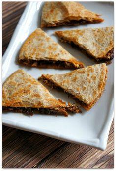 Recipe for Slow Cooker Sloppy Joe Beef Quesadillas with Cream Cheese #crockpotdinner #easydinner