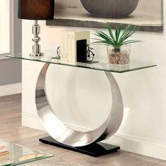 Place this Furniture of America Meryl U-Shaped Base Sofa Table in your living area for a functional and design-forward accessory piece. The metal frame. Sofa Tables, End Tables, Console Tables, Flur Design, Glass Top Coffee Table, Coffee Tables, Home Interior, Entryway Decor, Modern Entryway