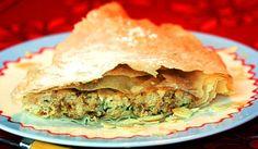 Pastela muy especiada de pollo con especies al horno Spanakopita, Empanadas, Apple Pie, Quiches, Ethnic Recipes, Desserts, Food, Pizza, Oven
