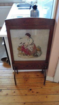 FINN – Skjermbrett med perlebroderi 1900-tallet