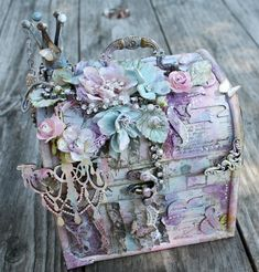 like to make a big one like this for lizzy's memory box <3