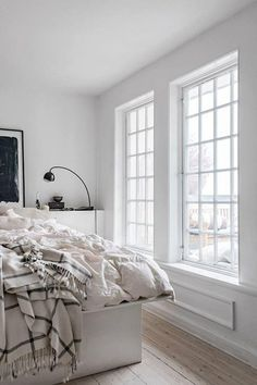 40+ Beautiful Scandinavian Bedroom Designs