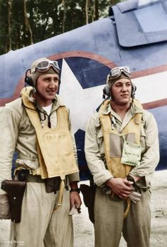 'Black Sheep' pilots Burney Tucker (L) - and Edwin Harper ® - in late (Photo: Frank Walton Collection, National Naval Aviation Museum) Us Navy Aircraft, Ww2 Aircraft, Fighter Aircraft, Military Aircraft, Fighter Pilot, Fighter Jets, Black Sheep Squadron, Pilot Uniform, Flying Ace